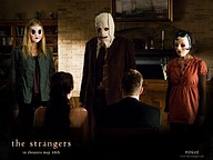Horror Movie : The Strangers (2008)8 pics